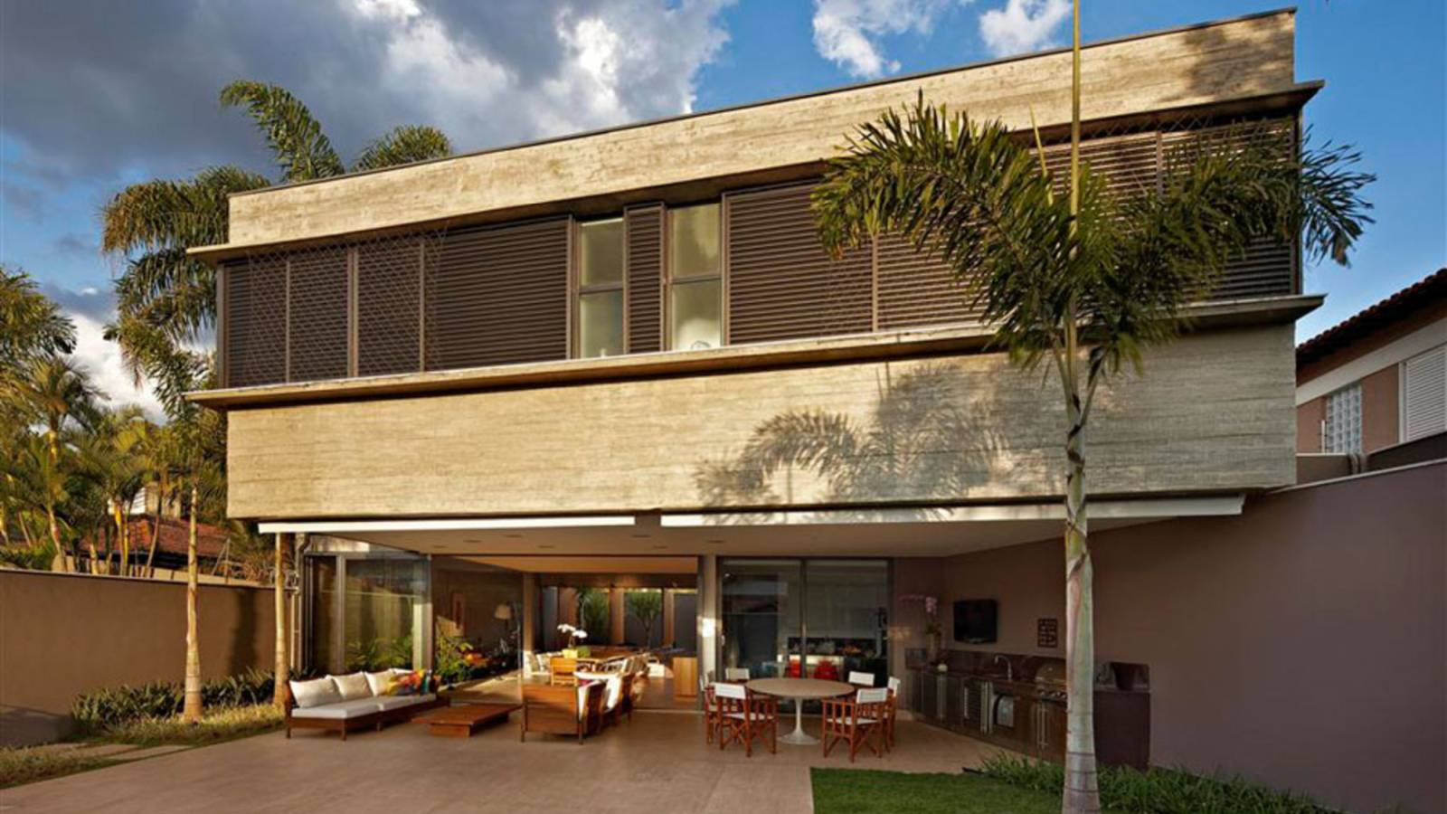 Awesome Mansion in Belo Horizonte by Anastasia Architects.
