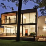 House On The Lake House On The Bluffs by Taylor Smyth Architects in Ontario