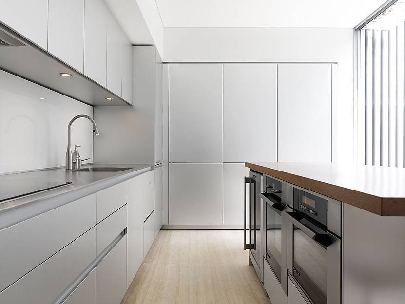 Minimalist style kitchen remodeling
