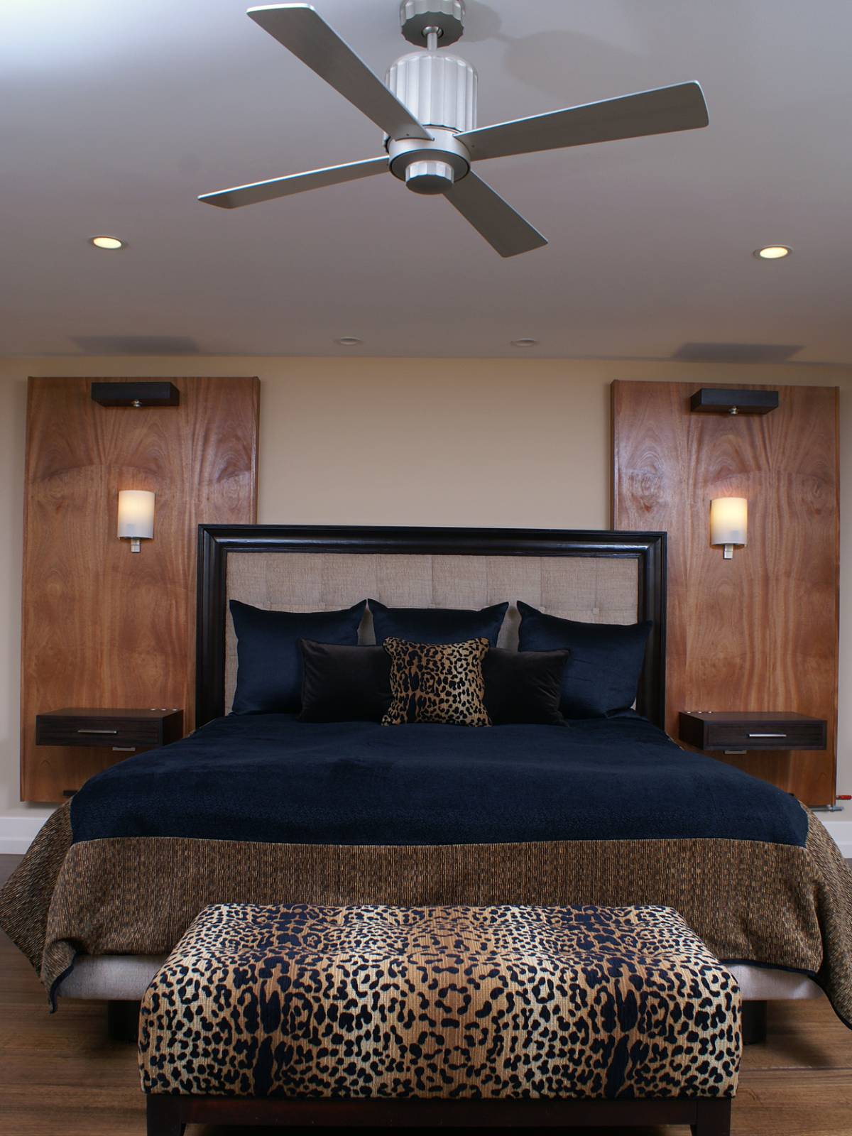 15 Lovely Bedroom Ideas With Leopard Accents Homedizz