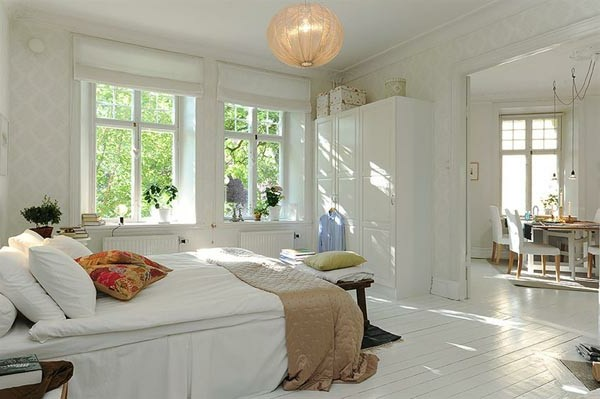 Bedrooms in Scandinavian style make white walls rattan basket
