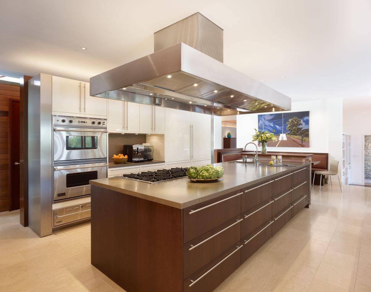 13 contemporary kitchens with limestone and rich wood cabinetry