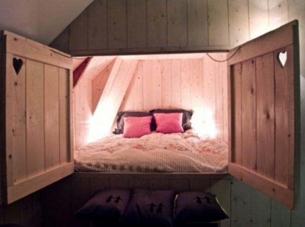 Original idea enclosures bed
