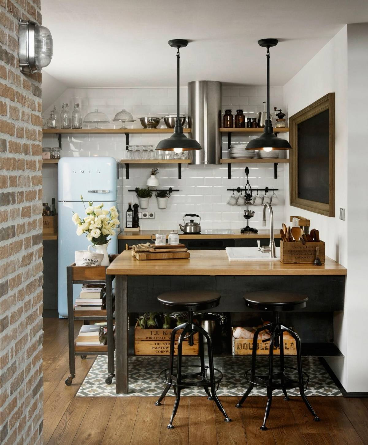 small industrial kitchen design